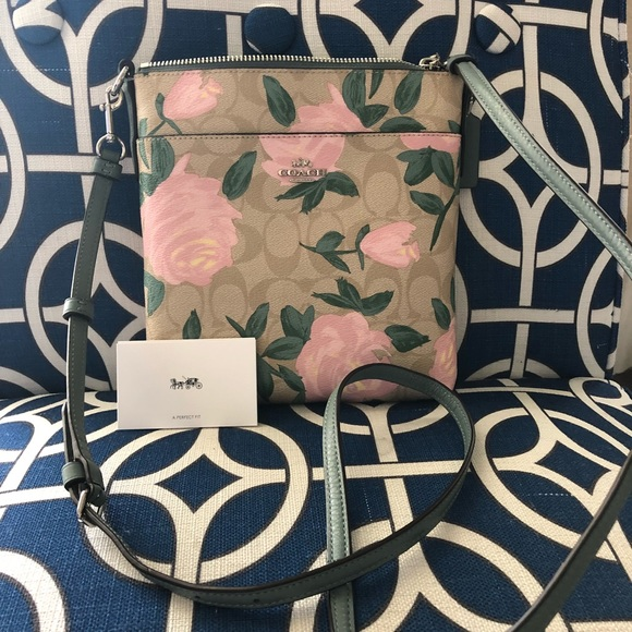 4a3117dc6c70 Coach Camo Rose Floral Cross-Body Bag